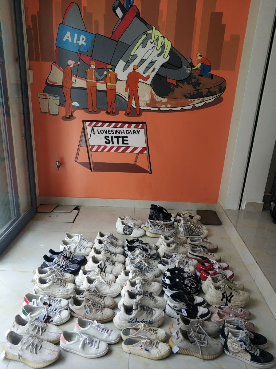 vệ sinh giày sneaker- alo vệ sinh giày