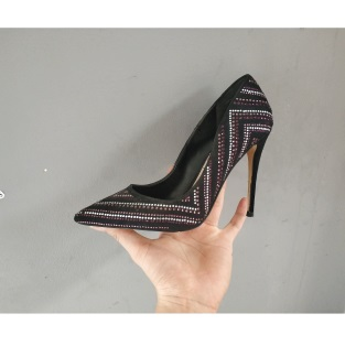 vệ sinh giày cao gót- alo vệ sinh giày- 0961868089